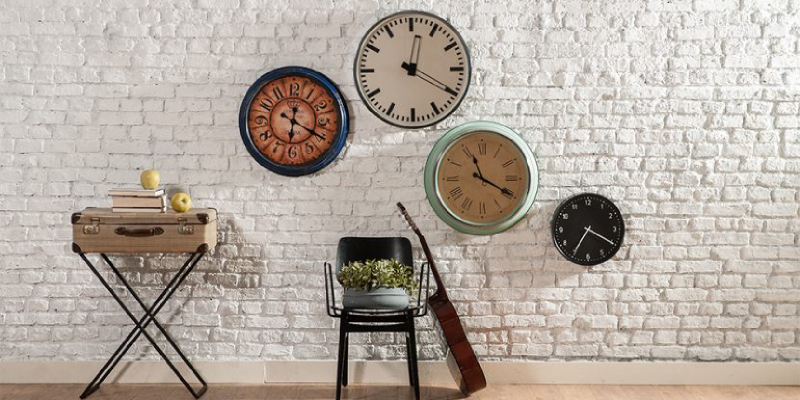 World clock time on the modern brick walls - Home interior decoration